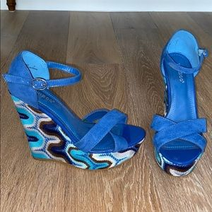 Blue lace wedge